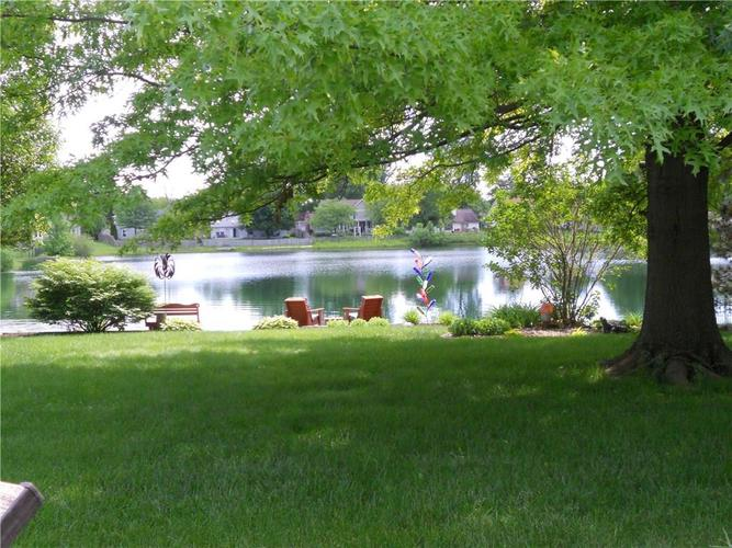 7659 Camberwood Drive Indianapolis, IN 46268   MLS 21687059   photo 4