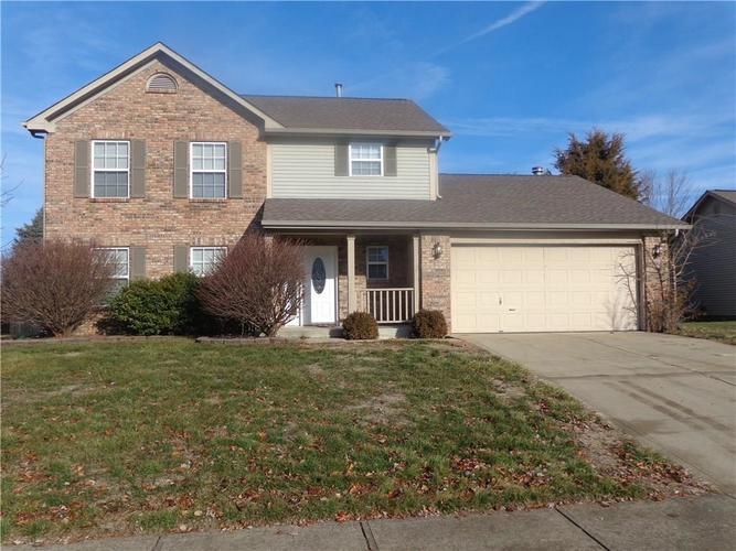 6080 E Pioneer Place Columbus, IN 47203 | MLS 21687094