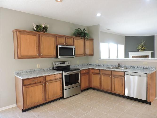 5520 Noble Drive Indianapolis, IN 46234 | MLS 21687123 | photo 15