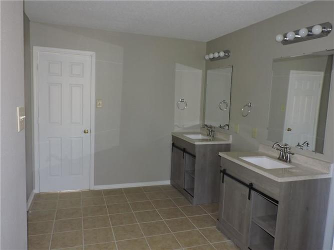 5520 Noble Drive Indianapolis, IN 46234 | MLS 21687123 | photo 19