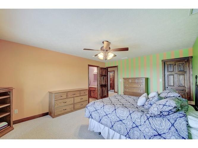 671 Capricorn Drive Franklin, IN 46131 | MLS 21687170 | photo 24