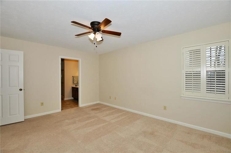 7926 Wickfield Court Indianapolis, IN 46256   MLS 21687236   photo 15