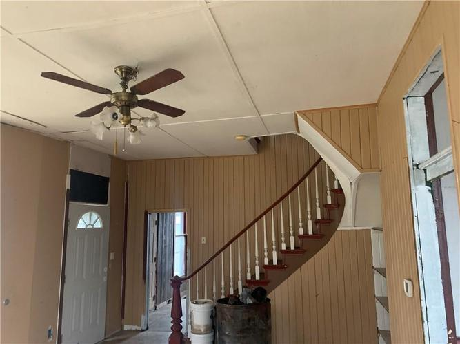 209 E Bow Street Thorntown, IN 46071   MLS 21687292   photo 2