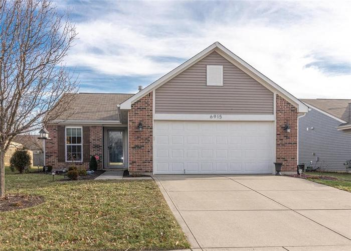 6915 N Denton Drive McCordsville, IN 46055 | MLS 21687327