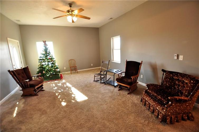 5002 W Old ST RD 46 Greensburg IN 47240 | MLS 21687353 | photo 3