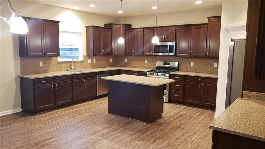 7203 Silverwood Court Indianapolis, IN 46259   MLS 21687411   photo 7