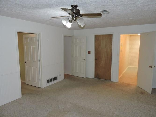 8016 Sunfield Court Indianapolis, IN 46214 | MLS 21687434 | photo 25