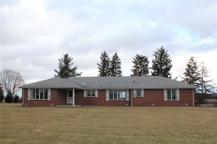 4386 W 1725 N Elwood, IN 46036 | MLS 21687466 | photo 1