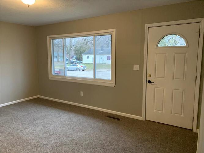 3 Zion Court Indianapolis, IN 46222 | MLS 21687521 | photo 6