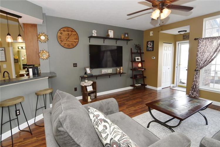 9441 Avon Strand #B Avon, IN 46123 | MLS 21687630 | photo 7