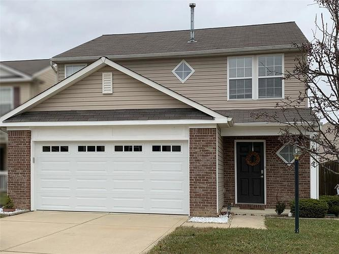 2282  Middle View Drive Columbus, IN 47201 | MLS 21687671