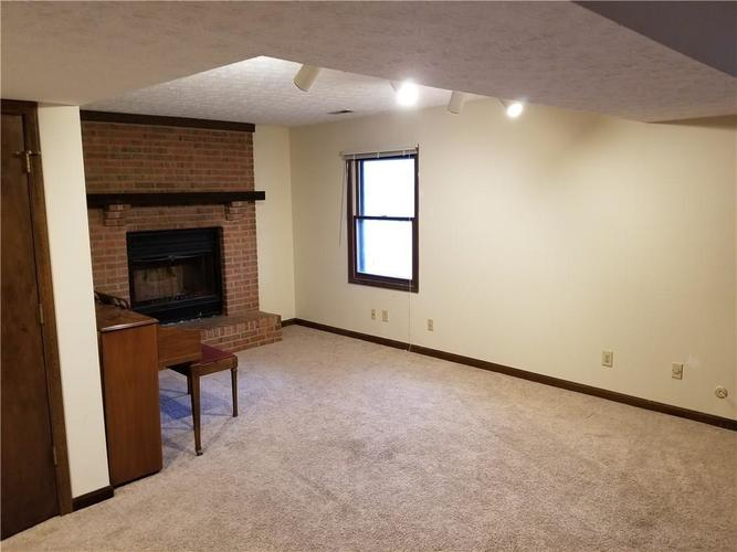 9257 Doubloon Road Indianapolis, IN 46268 | MLS 21687678 | photo 17