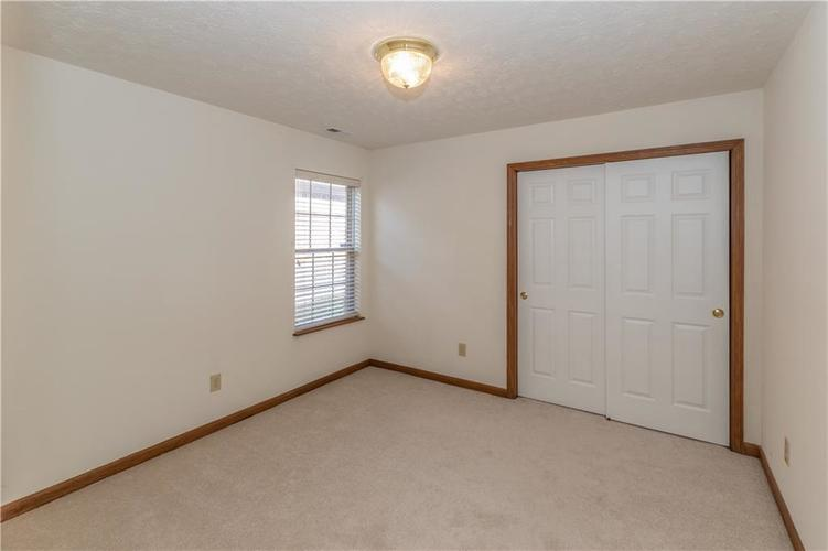 9642 Woodsong Way Indianapolis, IN 46229 | MLS 21687772 | photo 16