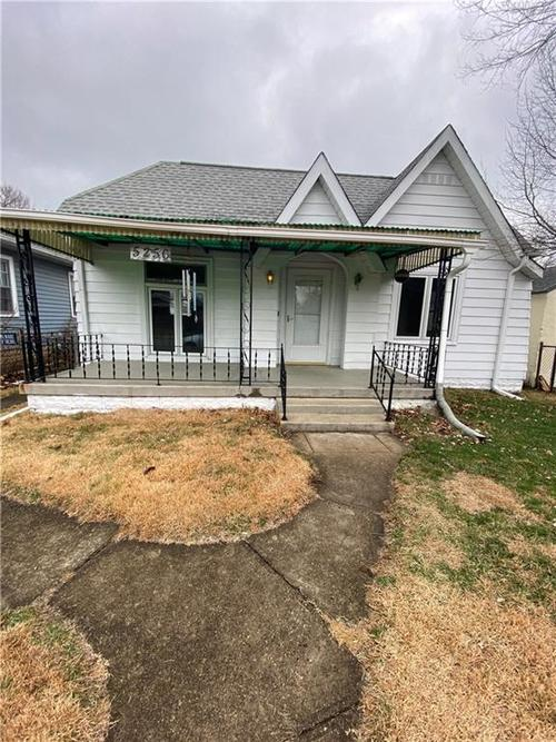 5256 E 11th Street Indianapolis IN 46219 | MLS 21687876 | photo 1