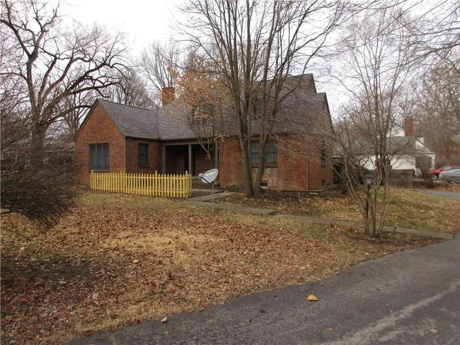 1010 Greenway Drive Anderson, IN 46011   MLS 21687888   photo 1