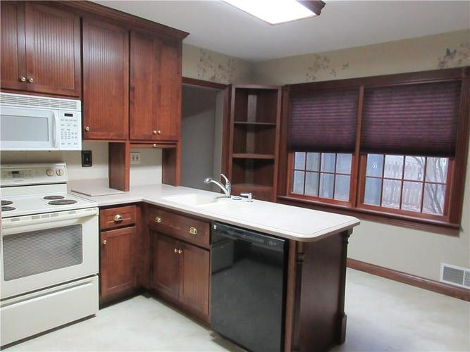 1010 Greenway Drive Anderson, IN 46011   MLS 21687888   photo 14