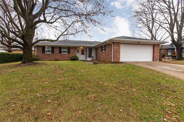 1538 N Fenwick Avenue Indianapolis, IN 46219 | MLS 21688015 | photo 2