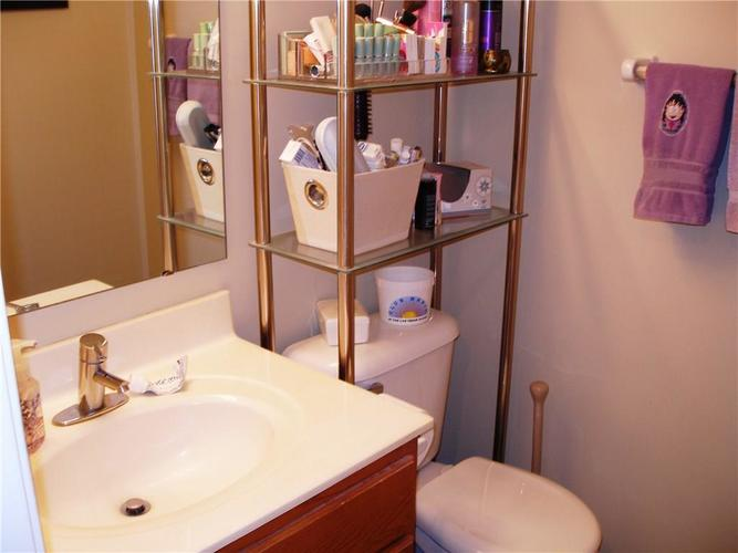 6381 HILLVIEW Circle Fishers, IN 46038   MLS 21688035   photo 17
