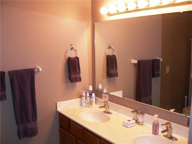 6381 HILLVIEW Circle Fishers, IN 46038   MLS 21688035   photo 20