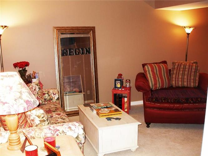 6381 HILLVIEW Circle Fishers, IN 46038   MLS 21688035   photo 6