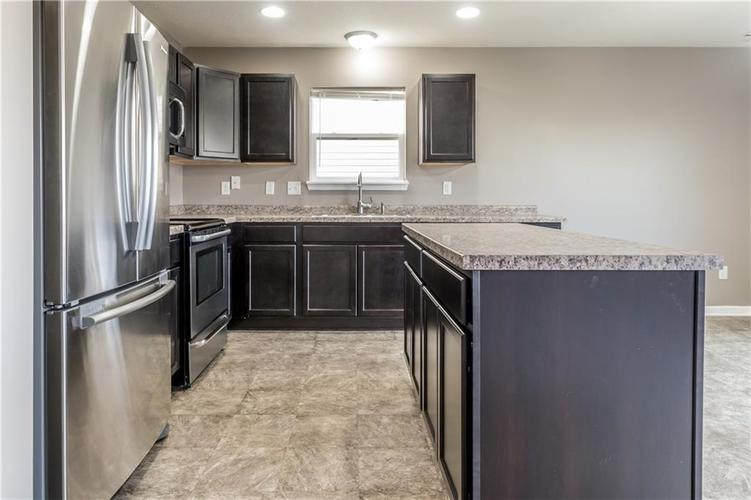 8126 Fisher Bend Drive Indianapolis, IN 46239   MLS 21688037   photo 8