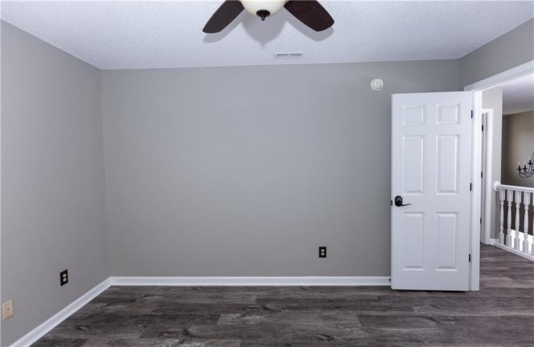 1098 Saint Charles Place Greenwood, IN 46143   MLS 21688041   photo 23