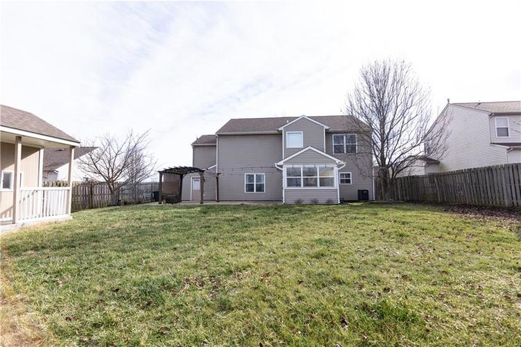 1098 Saint Charles Place Greenwood, IN 46143   MLS 21688041   photo 28