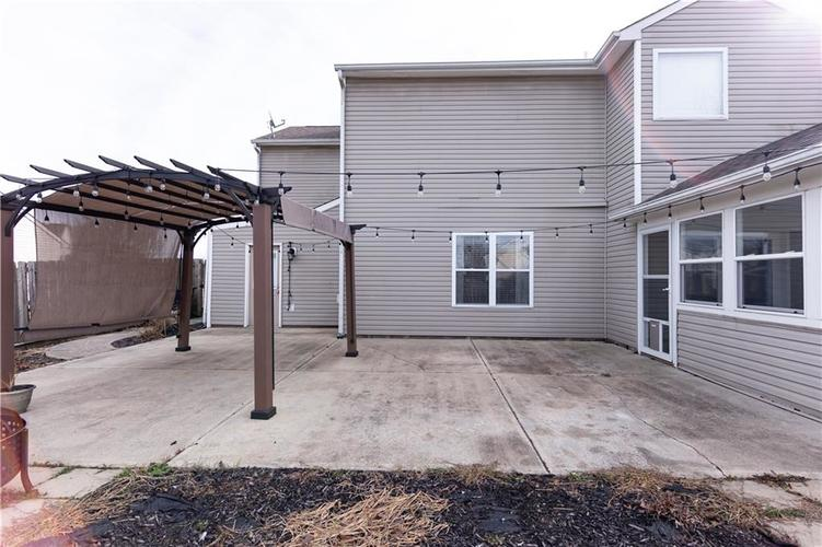 1098 Saint Charles Place Greenwood, IN 46143   MLS 21688041   photo 30
