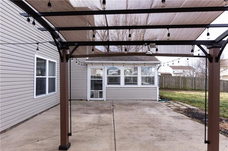 1098 Saint Charles Place Greenwood, IN 46143   MLS 21688041   photo 31