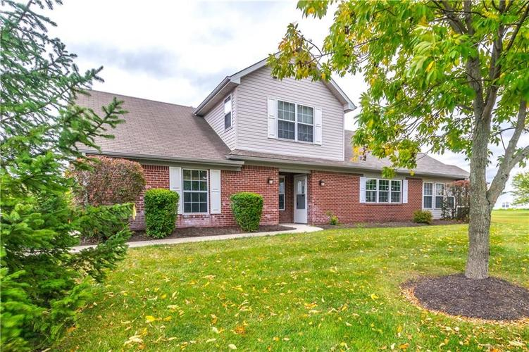 1017 Amesbury Court Indianapolis, IN 46217 | MLS 21688097 | photo 1
