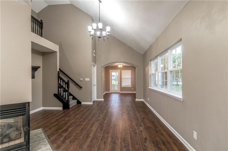 1017 Amesbury Court Indianapolis, IN 46217 | MLS 21688097 | photo 11