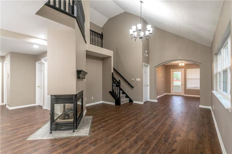 1017 Amesbury Court Indianapolis, IN 46217 | MLS 21688097 | photo 12