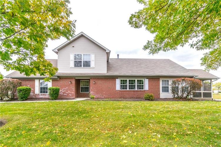 1017 Amesbury Court Indianapolis, IN 46217 | MLS 21688097 | photo 2