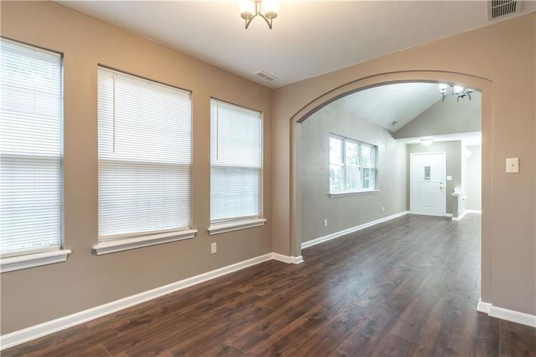 1017 Amesbury Court Indianapolis, IN 46217 | MLS 21688097 | photo 26