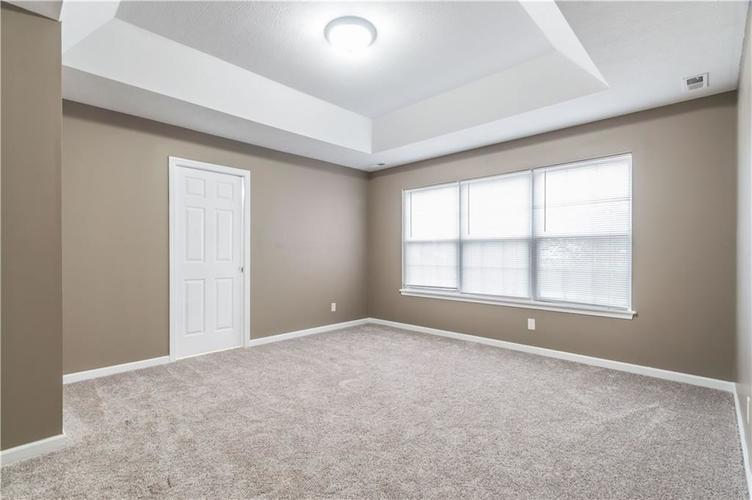 1017 Amesbury Court Indianapolis, IN 46217 | MLS 21688097 | photo 31
