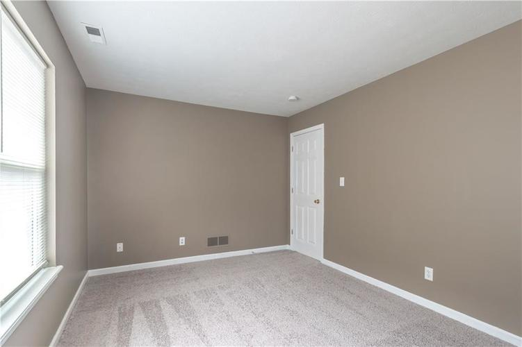 1017 Amesbury Court Indianapolis, IN 46217 | MLS 21688097 | photo 40