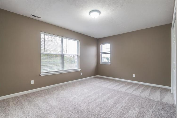 1017 Amesbury Court Indianapolis, IN 46217 | MLS 21688097 | photo 43