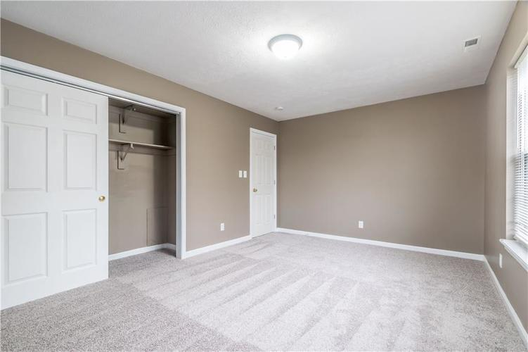 1017 Amesbury Court Indianapolis, IN 46217 | MLS 21688097 | photo 44