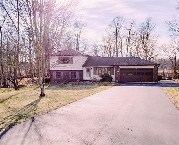 1540 S Plateau Circle Martinsville, IN 46151 | MLS 21688125