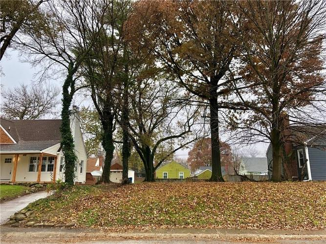 2430 Northview Avenue Indianapolis, IN 46220 | MLS 21688155 | photo 4