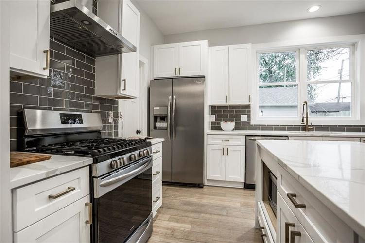 1041 S State Avenue Indianapolis, IN 46203 | MLS 21688171 | photo 15