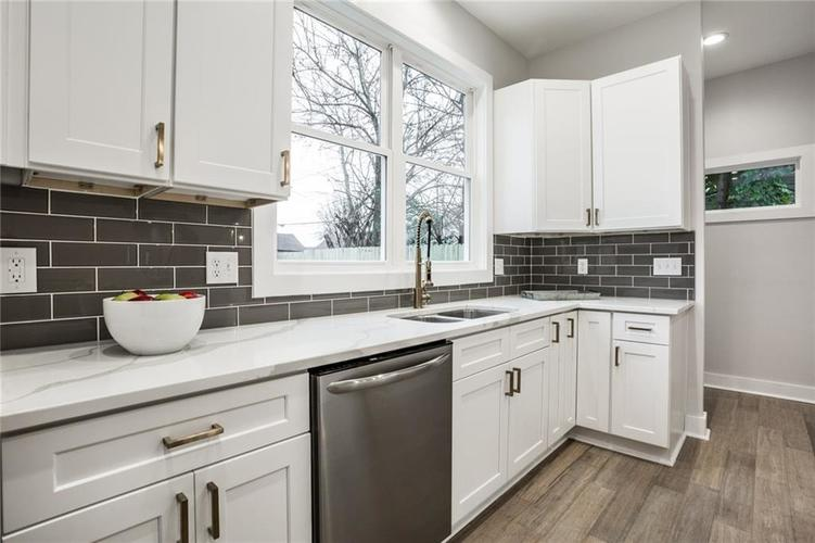 1041 S State Avenue Indianapolis, IN 46203 | MLS 21688171 | photo 17