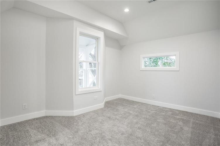 1041 S State Avenue Indianapolis, IN 46203 | MLS 21688171 | photo 28