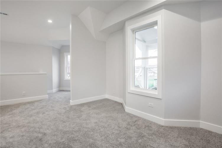 1041 S State Avenue Indianapolis, IN 46203 | MLS 21688171 | photo 29