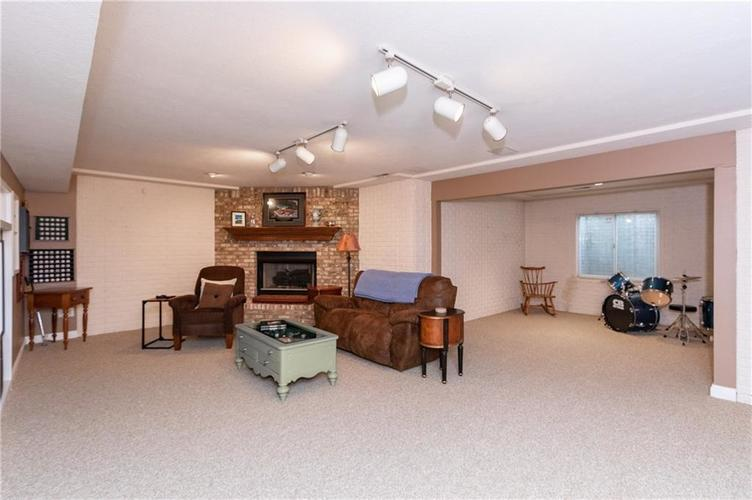 7620 Freedom Woods Drive Indianapolis, IN 46259 | MLS 21688176 | photo 21