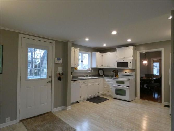 1208 Woodlawn Drive New Castle, IN 47362 | MLS 21688182 | photo 14