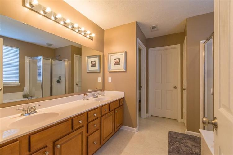 6242 Eagle Lake Drive Zionsville, IN 46077   MLS 21688184   photo 23