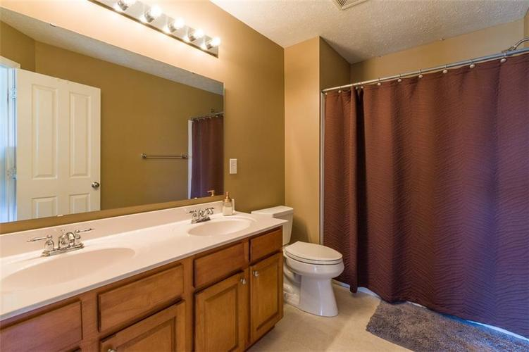 6242 Eagle Lake Drive Zionsville, IN 46077   MLS 21688184   photo 27