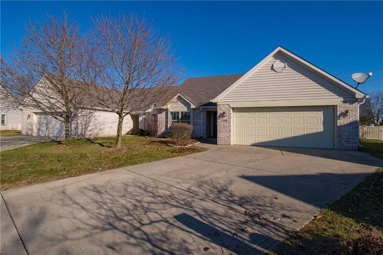 10938 Harness Court Indianapolis, IN 46239   MLS 21688206   photo 2