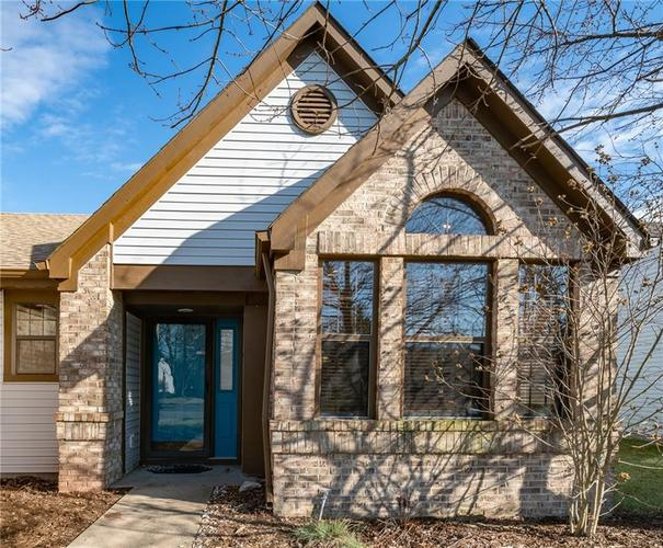 6269 Old Barn Court Indianapolis, IN 46268   MLS 21688232   photo 3